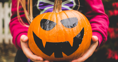 7 Reasons Every Introvert Hates Halloween | #StreamTeam